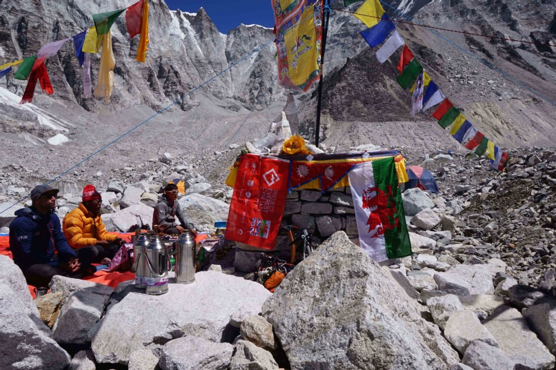 Project Everest Cynllun team blog: Professor Nicola Phillips - Settling in to Everest Base Camp